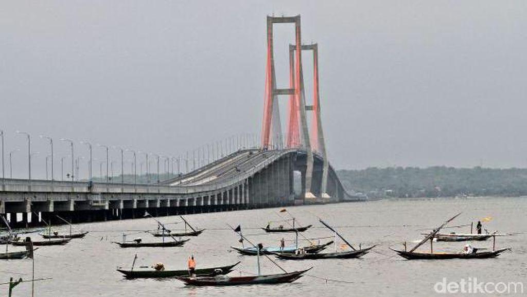 Ini Lho Suramadu, Jembatan Terpanjang RI yang Digratiskan Jokowi