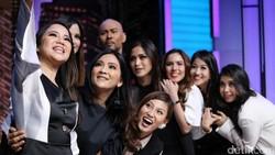 Girls Squadnya Nia Ramadhani memang selalu mendapatkan penilaian positif mulai dari kegiatan bermanfaat seperti bakti sosial, sampai urusan olahraga.
