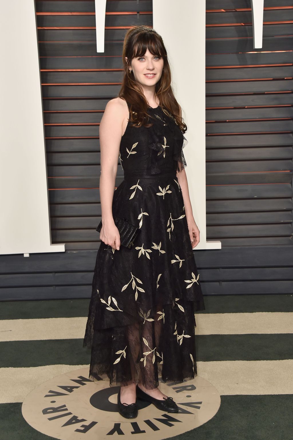 BEVERLY HILLS, CA - FEBRUARY 28:  Actress Zooey Deschanel attends the 2016 Vanity Fair Oscar Party Hosted By Graydon Carter at the Wallis Annenberg Center for the Performing Arts on February 28, 2016 in Beverly Hills, California.  (Photo by Pascal Le Segretain/Getty Images)