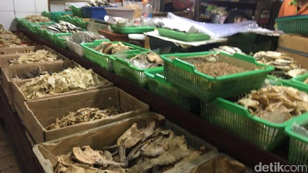 Harga Garam Melonjak, Harga Ikan Asin dan Teri Masih Stabil
