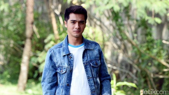 Ricky Harun, Bapak Dua Anak yang Awet Muda