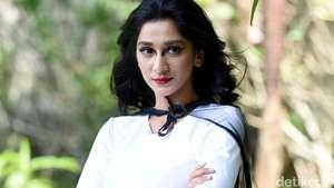 Senyuman Manis Fanny Ghassani