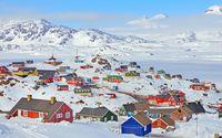 Warna rumah-rumahnya yang kontras dengan es yang putih (iStock)