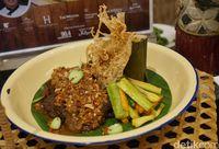 Nasi tutug oncom dengan sambal kecombrang yang jadi pemenang.