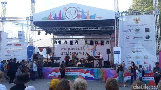 Krakatau Reunion Semakin Meriahkan Festival Indonesia ke-2 di Moskow