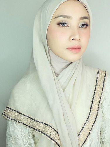 Irna Dewi.