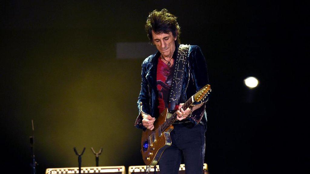 Personel Rolling Stones, Ronnie Wood Curhat Soal Rokok dan Kanker Paru
