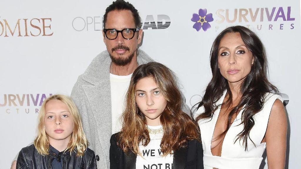 Istri Chris Cornell Tuduh Dokter Lakukan Malapraktik