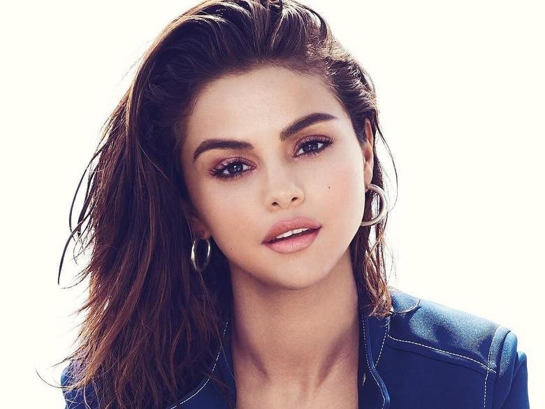Nantikan! Selena Gomez Bakal Kolaborasi dengan Marshmello