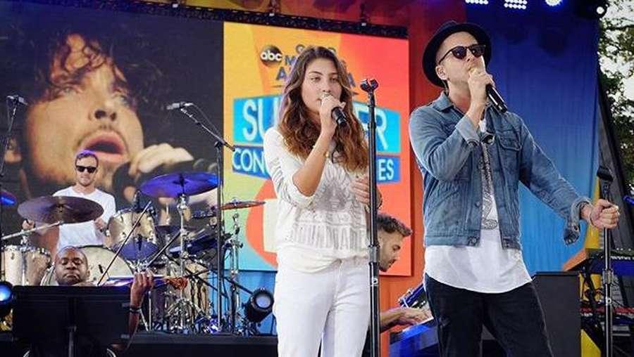 Aksi Anak Gadis Chris Cornell Nyanyikan Lagu untuk Mendiang Ayah