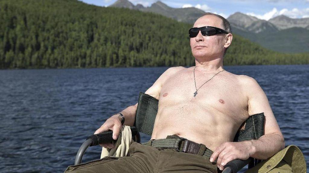 Foto: Liburan Macho Vladimir Putin Idola Fadli Zon