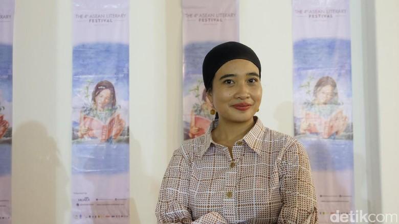 Okky Madasari Ikuti Program Residensi Penulis ke Amerika