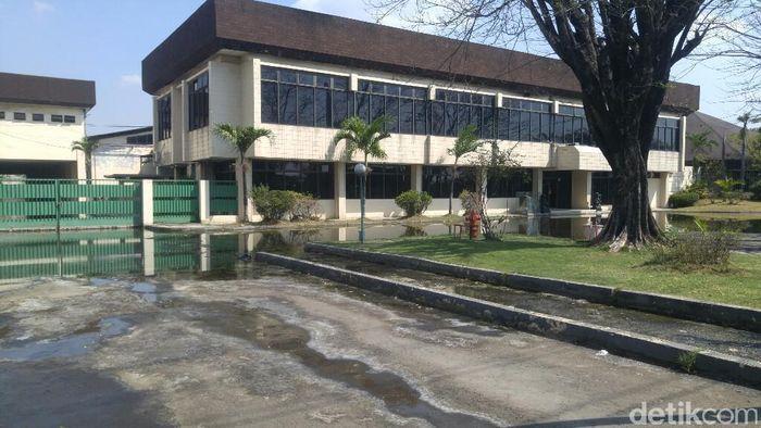 Pabrik Nyonya Meneer tampak sepi. Foto: Angling Adhitya Purbaya/detikcom