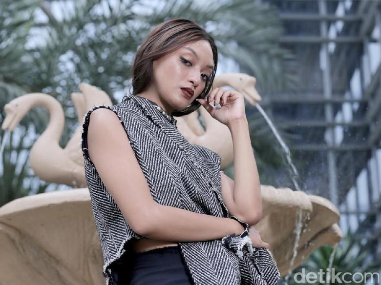 Asmara Abigail: Perempuan Indonesia Jangan Memagari Diri