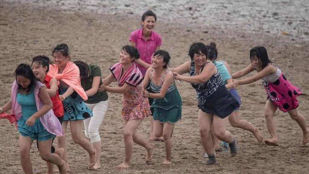 Foto: Gaya Liburan Orang Korea Utara