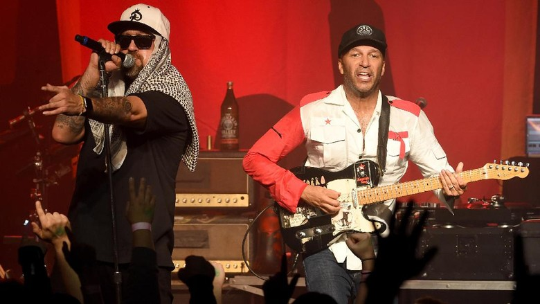 Supergrup! Prophets Of Rage Rilis Radical Eyes
