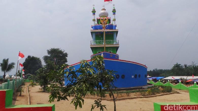 Masjid Kapal Bosok di Serang (Bahtiar/detikTravel)