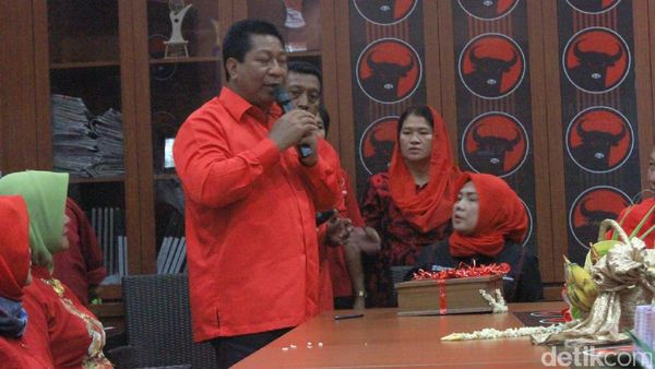 Walikota Magelang Kembalikan Berkas Pendaftaran Cawagub di PDIP
