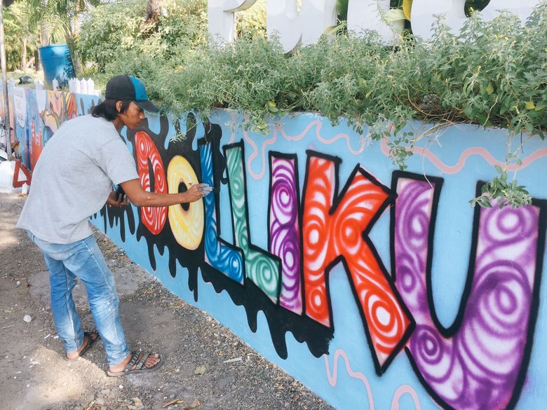 Kawasan Eks Lokalisasi di Putat Jaya Kini Makin Berwarna
