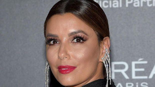 10 Selebriti Wanita dengan Bibir Paling Indah, Mana yang Palsu dan Asli?