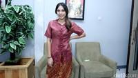 Valerie Thomas saat ditemui sebelum tampil di Opera Van Java di Studio Trans TV, Jakarta Selatan pada Selasa (8/8).