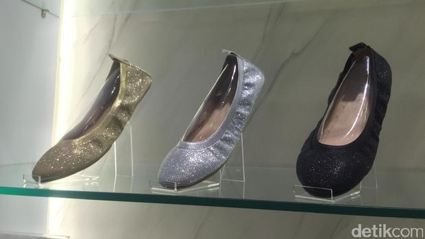 Sepatu Favorit Selebriti Holywood, Yosi Samra Kini Hadir di Indonesia