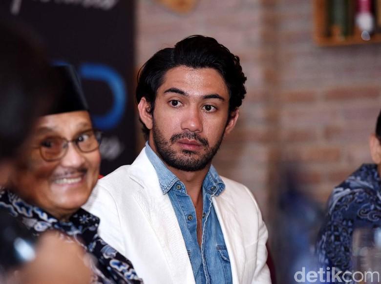 Reza Rahadian dan BJ Habibie (Noel/detikhot)