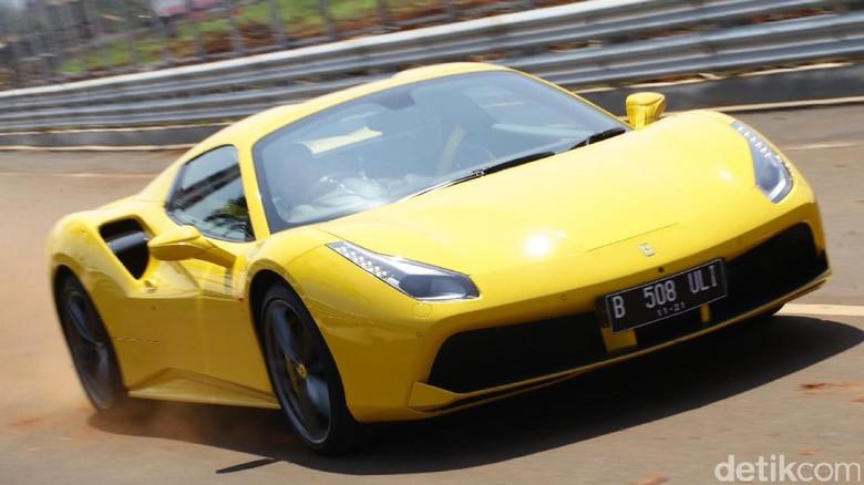 Ferrari 488 Spider (Foto: Hasan Alhabshy)
