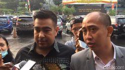 Tim Pengacara Sambangi Ello di Polres Jakarta Selatan