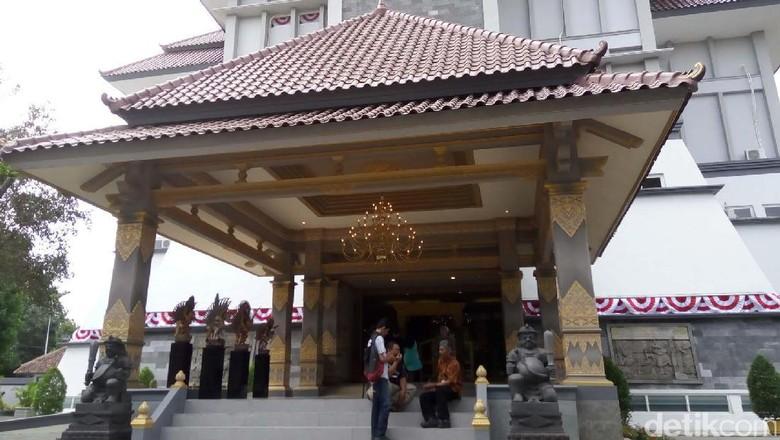 Koleksi Museum Keris Nusantara di Solo.