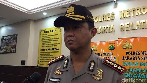 Kapolres Jaksel Kombes Iwan Kurniawan memberikan keterangan soal penetapan tersangka Marcello Tahitoe alias Ello dalam kasus narkoba