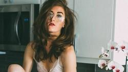 Kondisi kulit vitiligo membuat tubuh para wanita ini terlihat belang. Meski demikian mereka tetap percaya diri berpose menunjukkan kecantikannya.