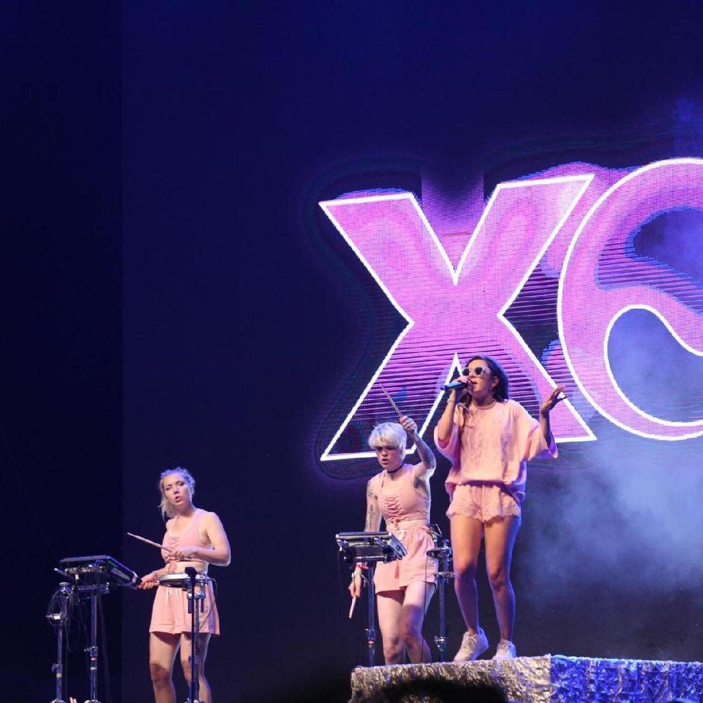 Charli XCX Sebut Album Barunya Eksperimental Pop