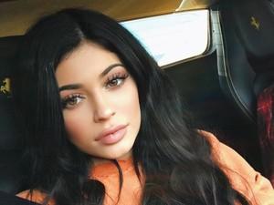 Apa Benar Kylie Jenner Punya Mesin <i>Frozen Yogurt</i> di Rumahnya?