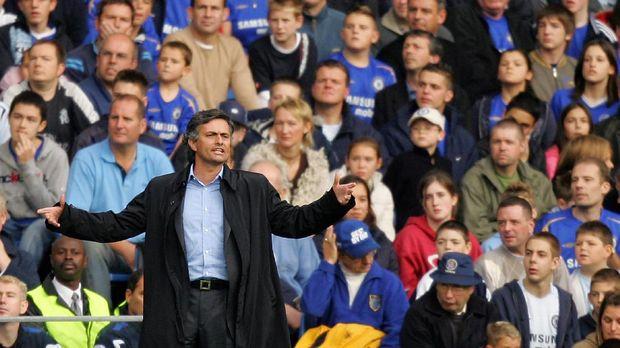 Deret Masalah Mourinho dengan Liverpool