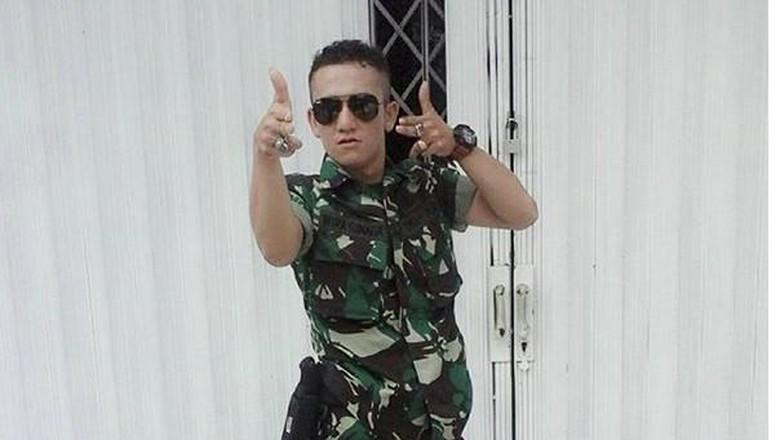 Foto-foto Narsis dan Eksis Oknum TNI yang Ngamuk dan Pukul Polantas