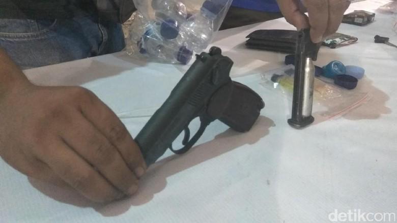 Polisi Sita Airsoft Gun Anggota Dewan Aceh yang Ditangkap Nyabu