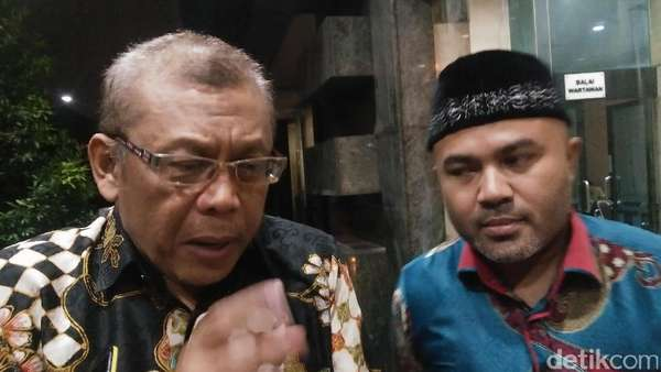 Jokowi Ungkap Politik Genderuwo, Ini Reaksi Eggi Sudjana