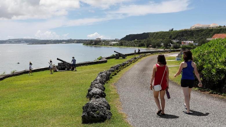 Foto : Dear Kim Jong-un, Guam yang Cantik Ini Kok Mau Diserang