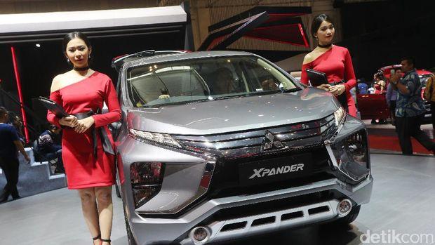 Mitsubishi membelah MPV Xpander untuk menunjukan suasana  interiornya kepada pengunjung GIIAS. Penasaran? Begini penampakannya.