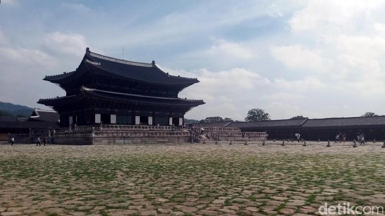 Istana Gyeongbokgung (Niken Purnamasari/detikTravel)
