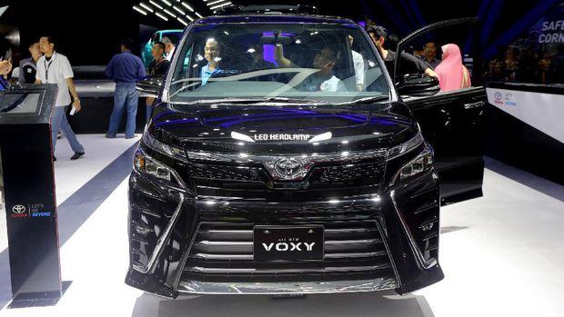 Toyota Astra Motor (TAM) meluncurkan MPV mewah baru, Toyota Voxy di ajang Gaikindo Indonesia International Auto Show (GIIAS) 2017.