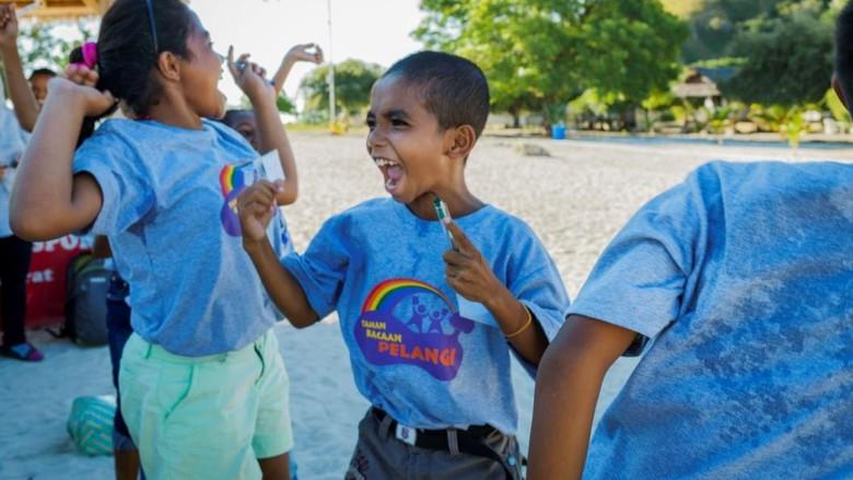 Anak-anak timur bermain di Labuan Bajo (dok agoda)