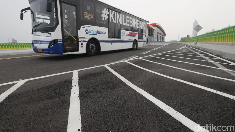 Resmikan TransJ Koridor 13, Djarot: Kita Harus Terima Kasih ke Ahok