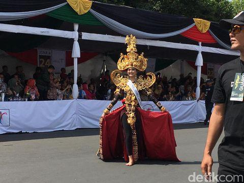 Salah satu peserta Jember Fashion Carnaval