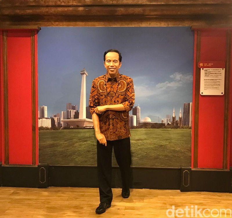 Patung lilin Presiden Jokowi sudah dipajang di Museum Madame Tussauds Hong Kong. Jokowi pun senang karena bisa dipakai untuk promosi pariwisata Indonesia. (dok. KJRI Hong Kong)