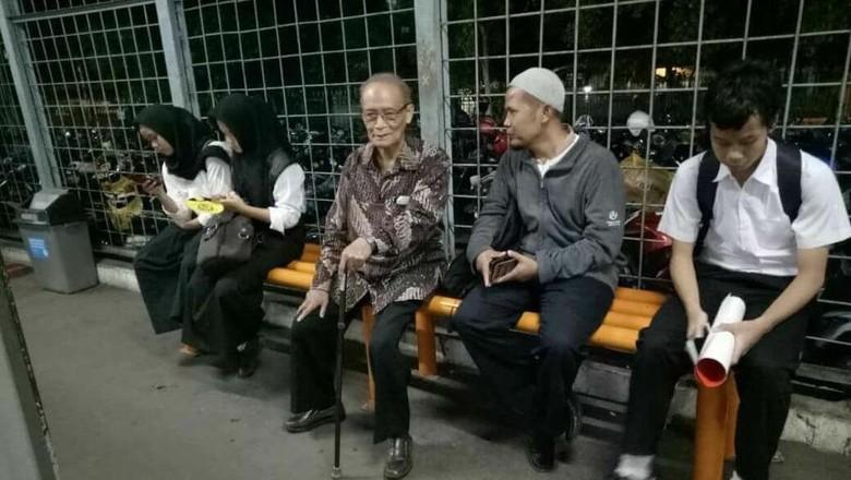 Cerita Buya Syafii Naik KRL ke Bogor: Nggak Sesak
