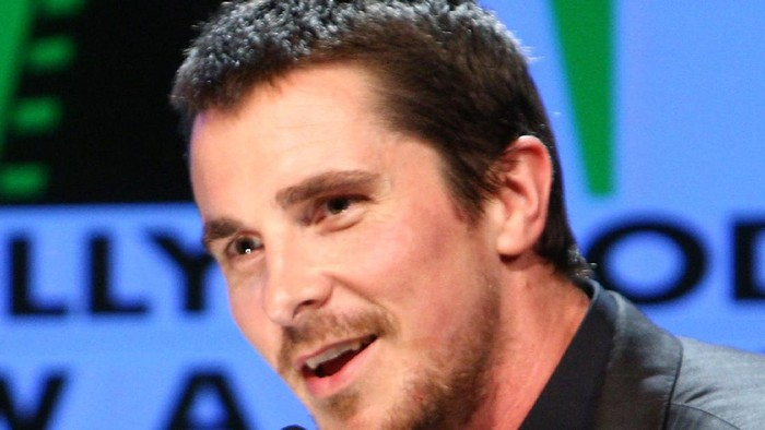 BEVERLY HILLS, CA - OCTOBER 27:  Actor Christian Bale presents onstage during the Hollywood Film Festivals Gala Ceremony held at Beverly Hilton Hotel on October 27, 2008 in Beverly Hills, California.  (Photo by Alberto E. Rodriguez/Getty Images for Hollywood Film Festival)