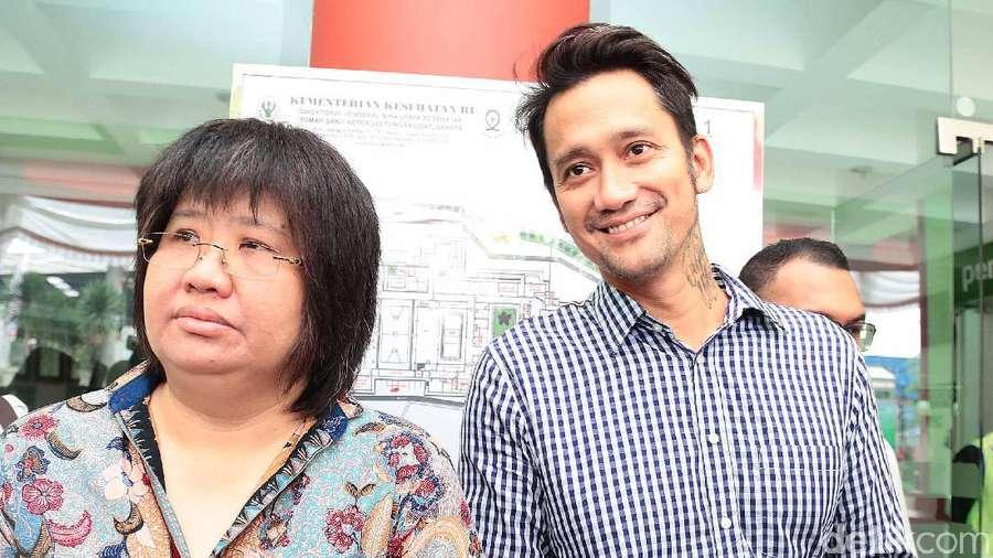 Senyum Semringah Tora Sudiro usai Dibebaskan
