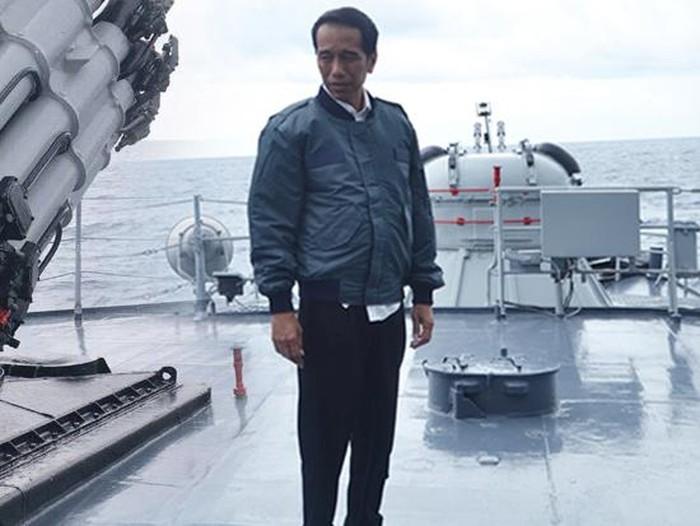Kumpulan fashion Presiden Jokowi yang kekinian